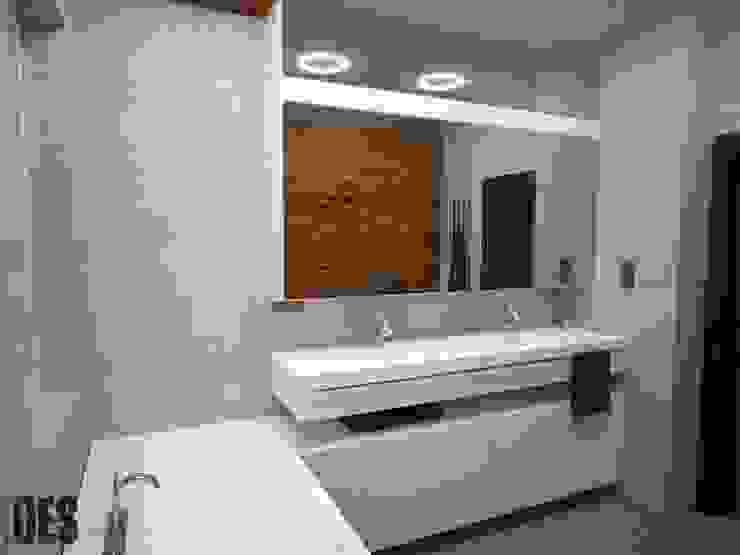 Projekt mieszkania Mysłowice Minimalistyczna łazienka od OES architekci Minimalistyczny