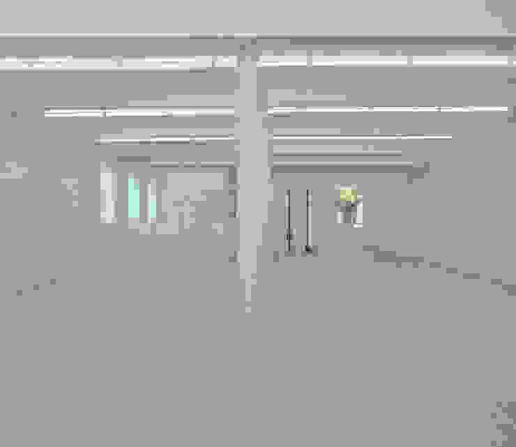 Anish Kapoor Studio Modern corridor, hallway & stairs by Caseyfierro Architects Modern