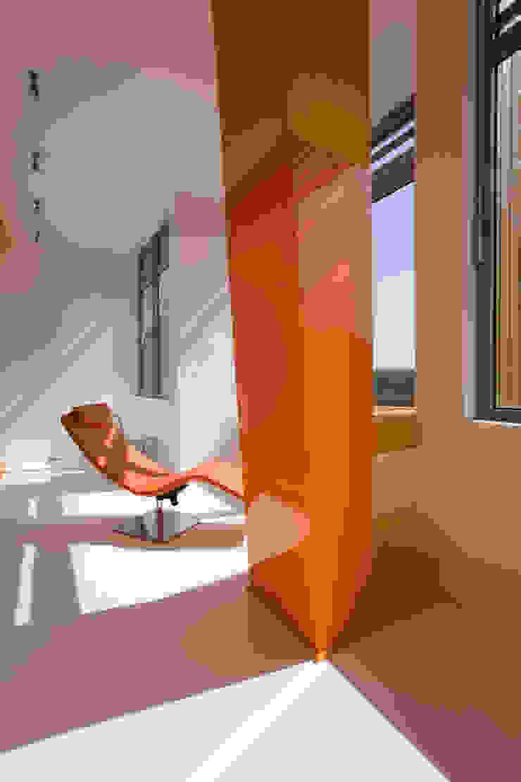 Квартира в Жуковке Балкон и терраса в стиле минимализм от ARTRADAR ARCHITECTS Минимализм