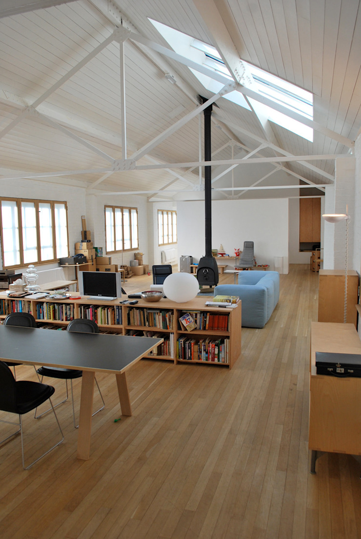 Jasper Morrison Design Office and Studio – London 北欧スタイルの 壁&床 の Caseyfierro Architects 北欧