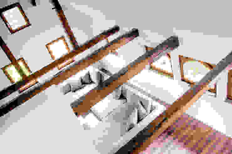 Wohnraum ahoch4 Architekten Moderne Wohnzimmer