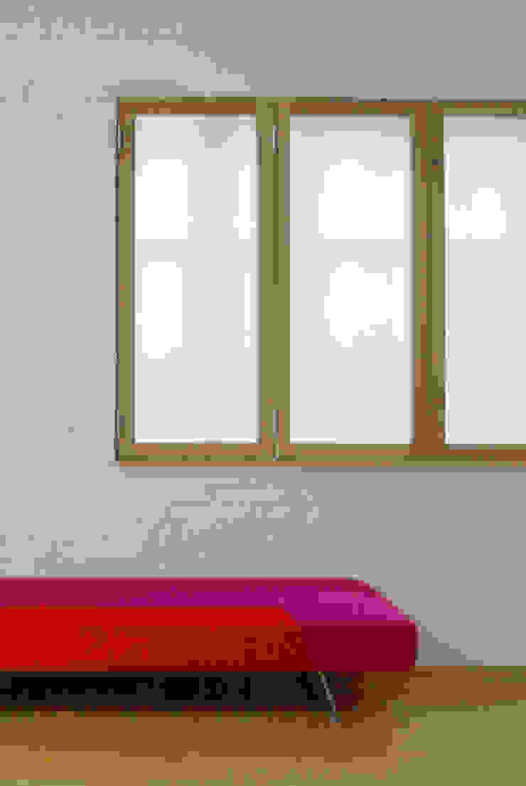 Jasper Morrison Design Office and Studio – London 北欧スタイル 窓&ドア の Caseyfierro Architects 北欧
