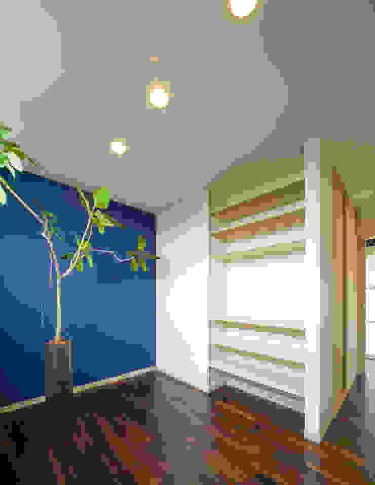 庭の家 モダンスタイルの寝室 の プラソ建築設計事務所 モダン