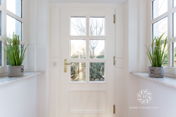Classic style windows & doors by Home Staging Sylt GmbH Classic