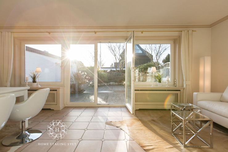 Classic style balcony, veranda & terrace by Home Staging Sylt GmbH Classic
