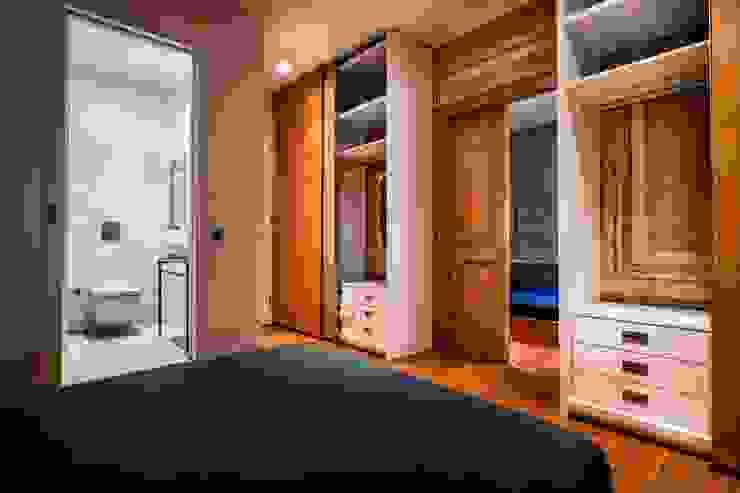 Gabriel Apartment Bedroom Modern Yatak Odası Atelye 70 Planners & Architects Modern