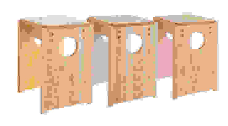 Cube Stool Color: tona BY RIKA KAWATO / tonaデザイン事務所が手掛けた現代のです。,モダン