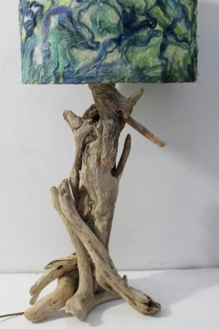 Driftwood table lamp: rustic  by Julia's Driftwood, Rustic