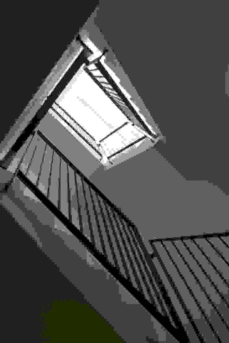 K1 House Modern Koridor, Hol & Merdivenler Atelye 70 Planners & Architects Modern