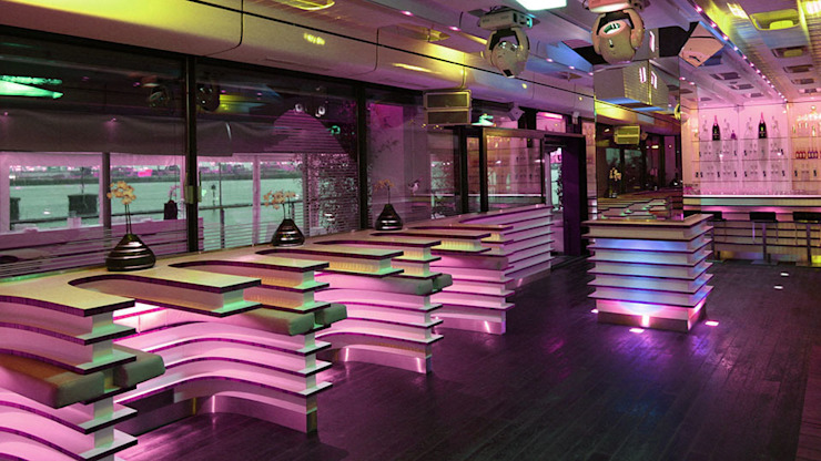 AU QUAI - LA NUIT EVENTLOCATION Minimalistische Veranstaltungsorte von Barefoot Design Minimalistisch