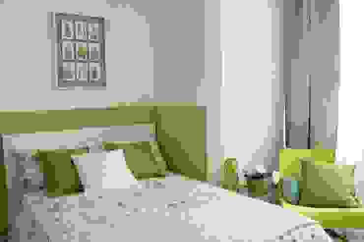 camera verde - DOPO Camera da letto in stile classico di stagemyhome Classico