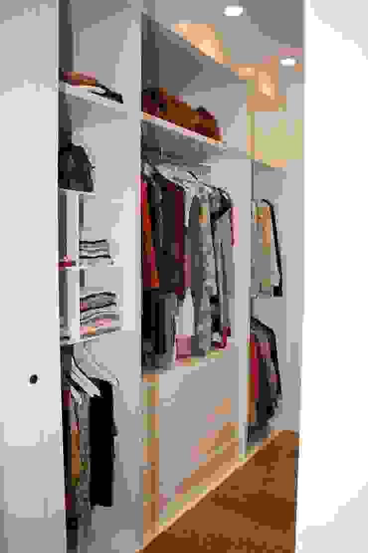 Vestidor Vestidores de estilo moderno de MUDEYBA S.L. Moderno