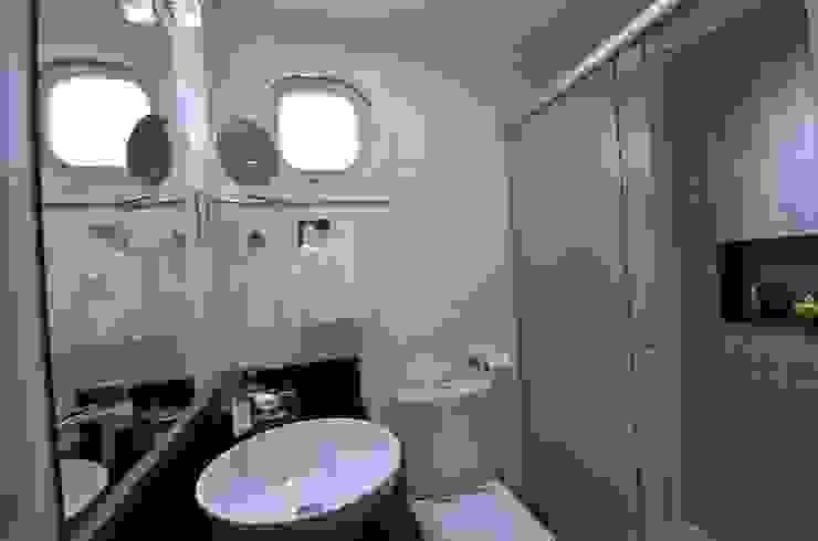 Banheiro Banheiros minimalistas por Natali de Mello - Arquitetura e Arte Minimalista