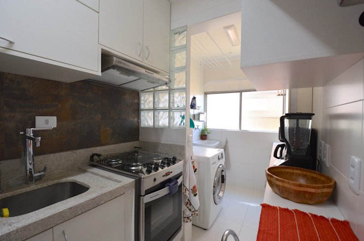 Cozinha Cozinhas minimalistas por Natali de Mello - Arquitetura e Arte Minimalista