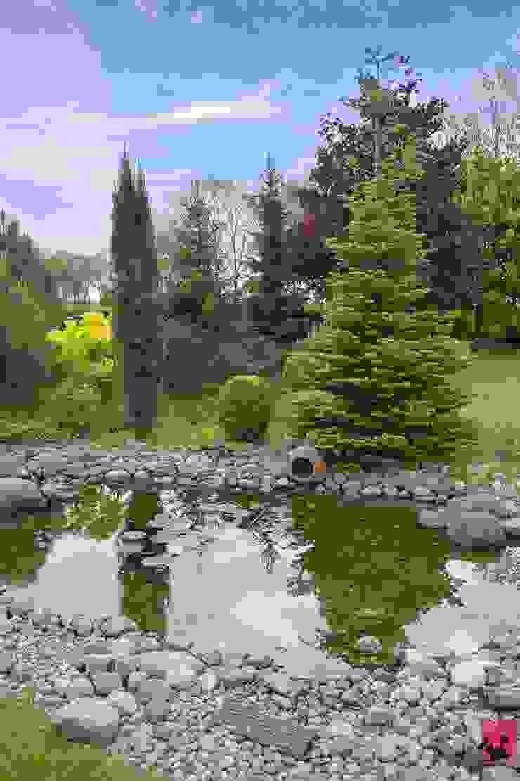 Jardins mediterrâneos por Pink Pug Design Interior Mediterrâneo