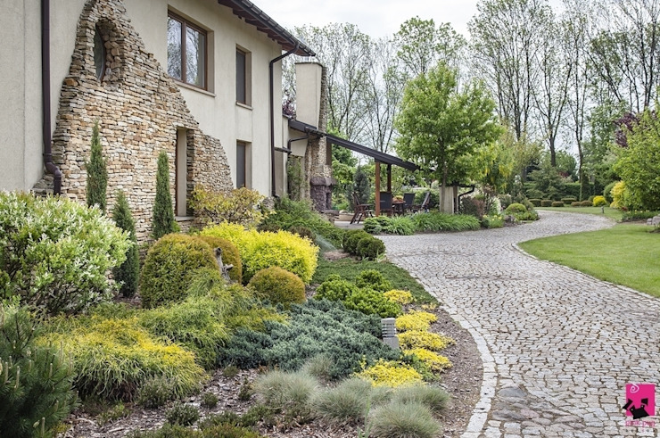 Mediterranean style garden by Pink Pug Design Interior Mediterranean
