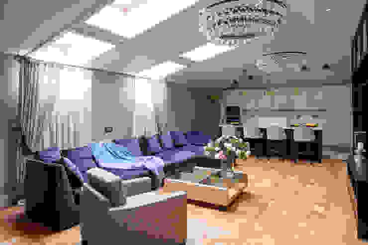 Мансарда в Лаврушинском переулке 130 м2 Гостиная в классическом стиле от Gallery 63 Классический