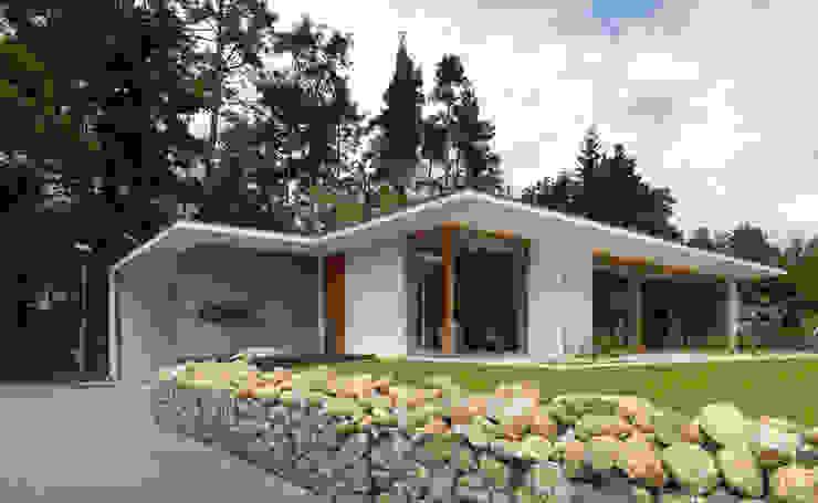 Minimalistyczne domy od Bermüller + Hauner Architekturwerkstatt Minimalistyczny