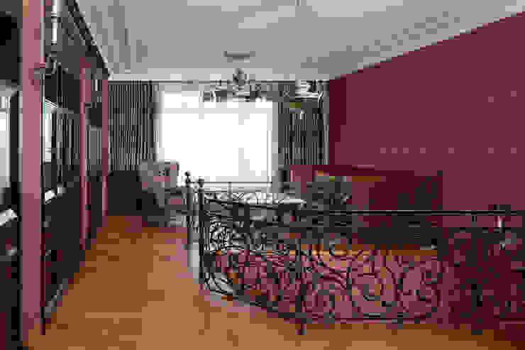 Двухэтажная квартира в Лаврушинском переулке 270 м2 Рабочий кабинет в классическом стиле от Gallery 63 Классический