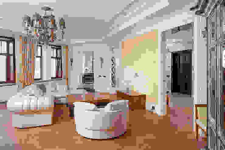 Двухэтажная квартира в Лаврушинском переулке 270 м2 Гостиная в классическом стиле от Gallery 63 Классический