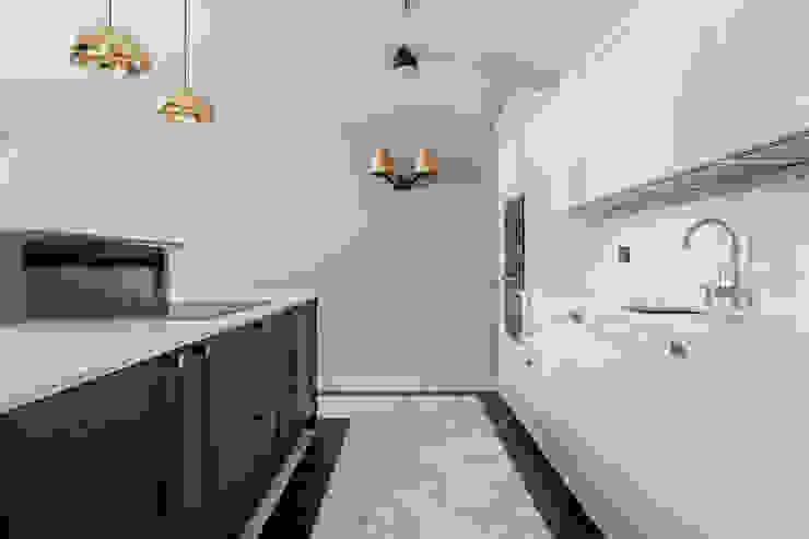 Мансарда в Лаврушинском переулке 130 м2 Кухня в классическом стиле от Gallery 63 Классический