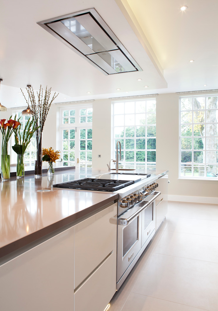 Classic Contemporary Modern kitchen by Moneyhill Interiors Modern