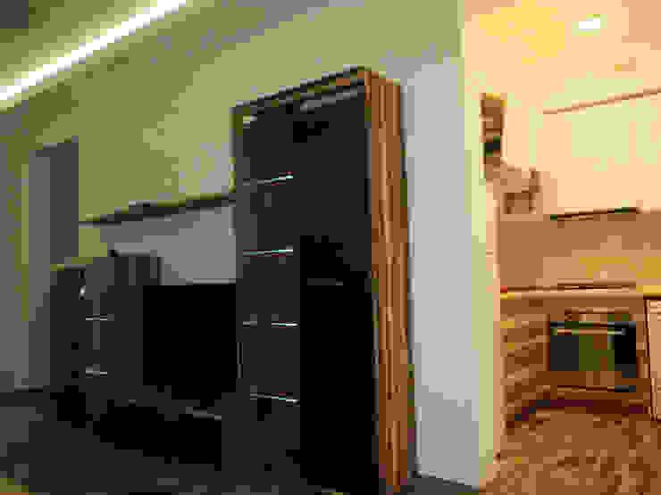 Гостиная из которой просматривается кухня-студия от KARYADESIGN architecture studio