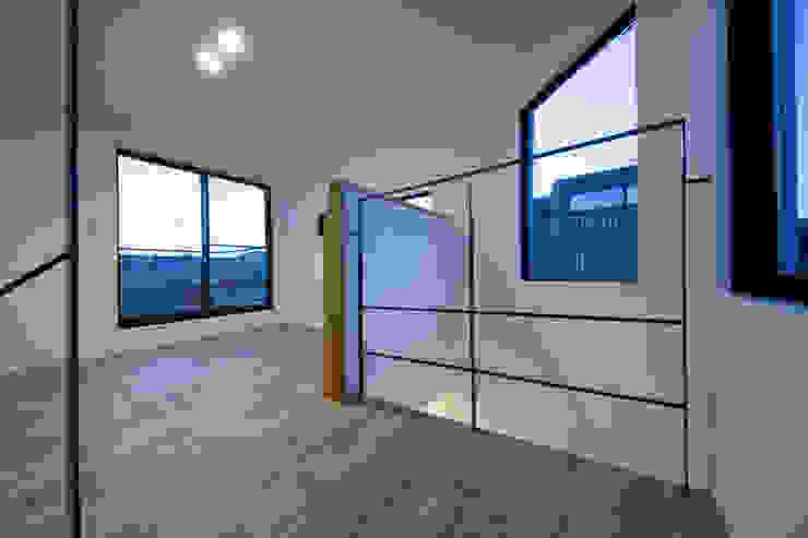西原の家 モダンスタイルの寝室 の 折原剛建築計画事務所/Tsuyoshi Orihara Architects モダン