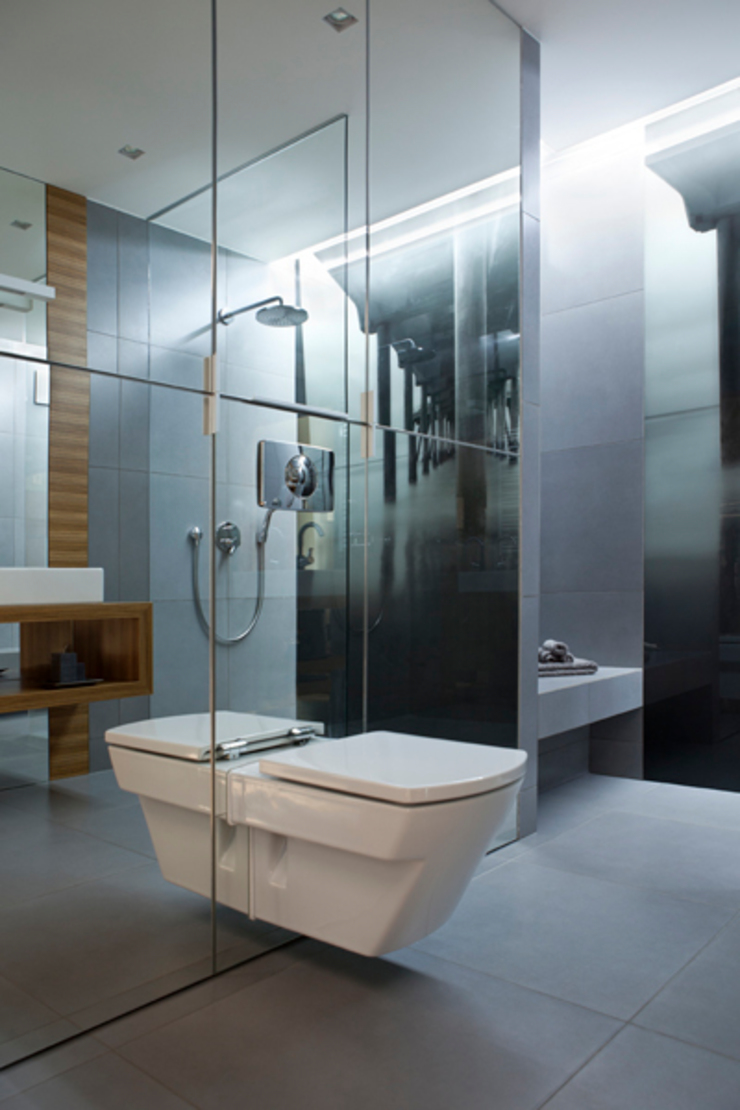 Minimalist style bathrooms by The Vibe Minimalist