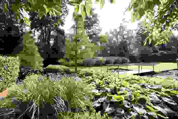 Landschappelijke natuurrijke onderhoudsvriendelijke tuin Holland- Landscape nature rich maintenance friendly garden in the Netherlands. Country style garden by FLORERA , design and realisation gardens and other outdoor spaces. Country