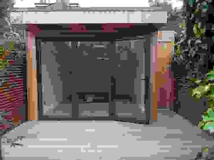 Garden Room in Queens Park, London Modern study/office by Office In My Garden Modern