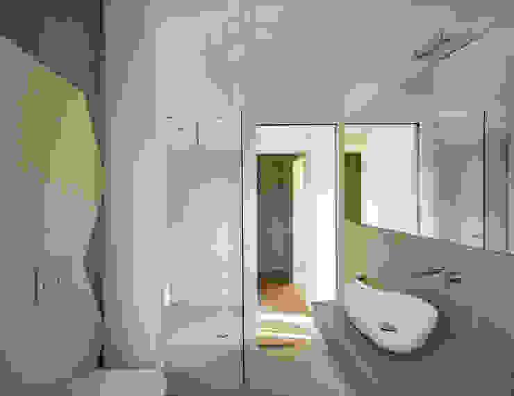 stefania eugeni Minimalist bathroom
