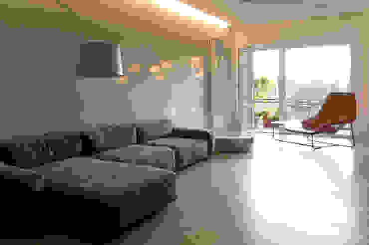 stefania eugeni Minimalist living room