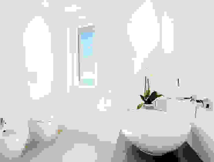 stefania eugeni Scandinavian style bathroom