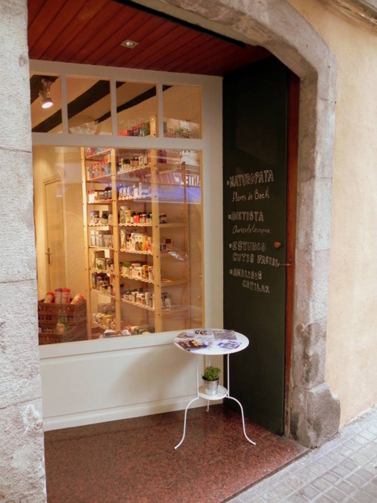 Entrada a la tienda Oficinas y tiendas de estilo minimalista de mobla manufactured architecture scp Minimalista