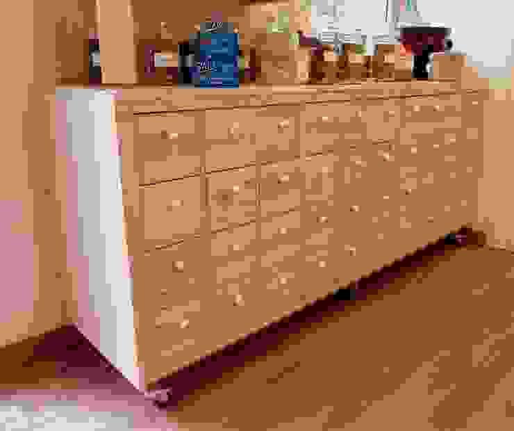 Mueble especiero restaurado mobla manufactured architecture scp Oficinas y tiendas de estilo minimalista