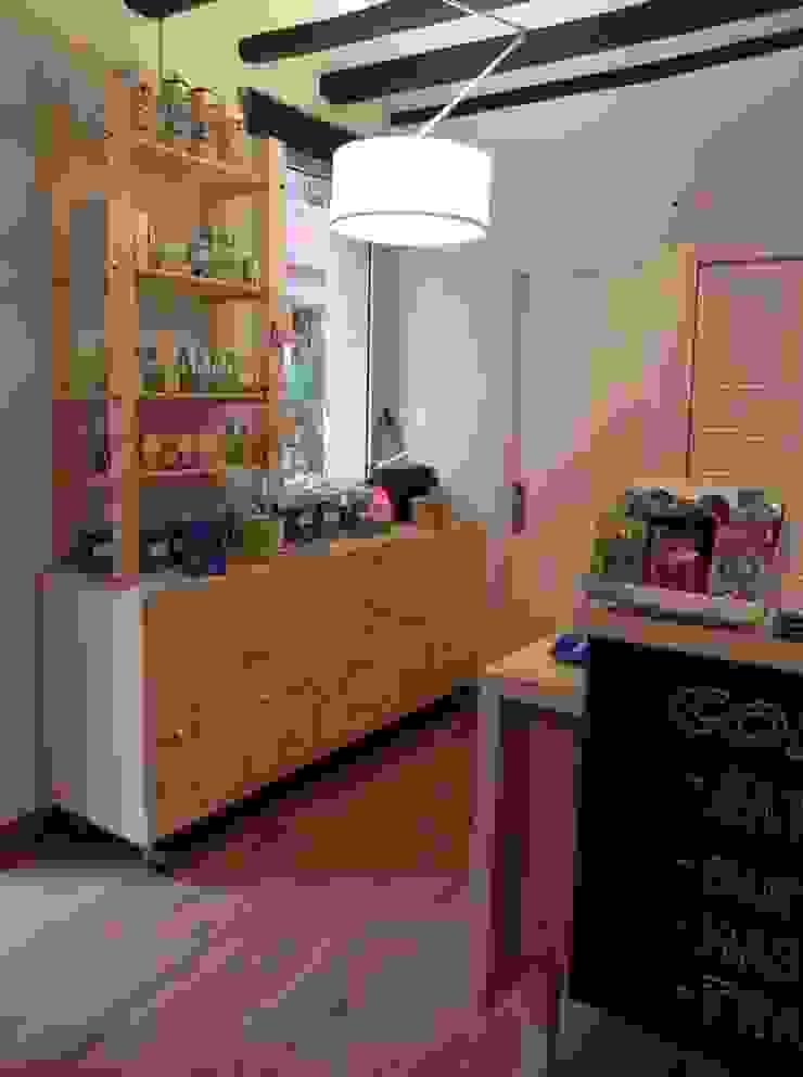 Mueble especiero restaurado Oficinas y tiendas de estilo minimalista de mobla manufactured architecture scp Minimalista