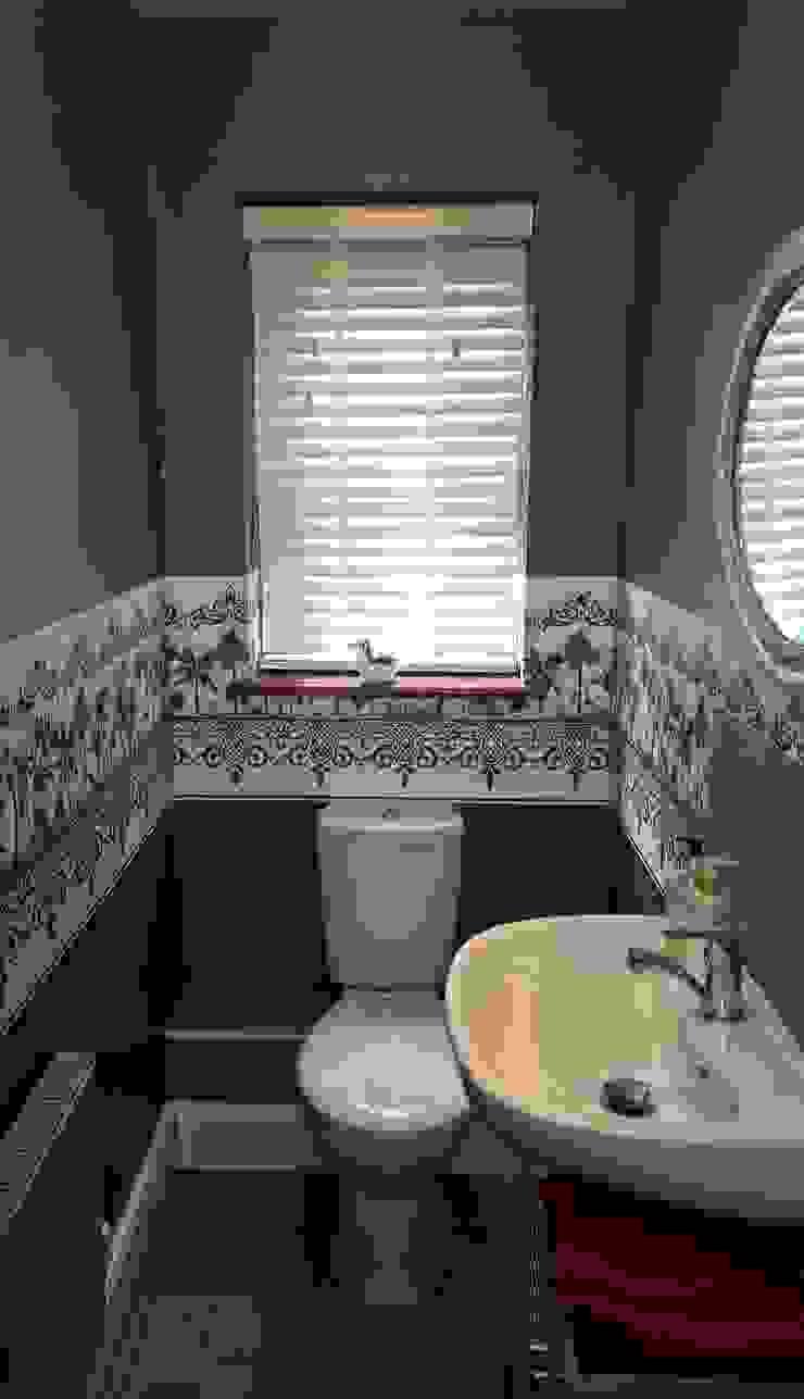Cloakroom Modern bathroom by Grey Soft Furnishings Modern