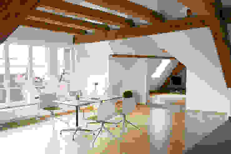 Moderne eetkamers van w3-architekten Gerhard Lallinger Modern