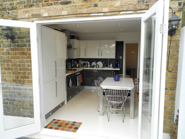 Extension and rennovation by Zebra Property Group