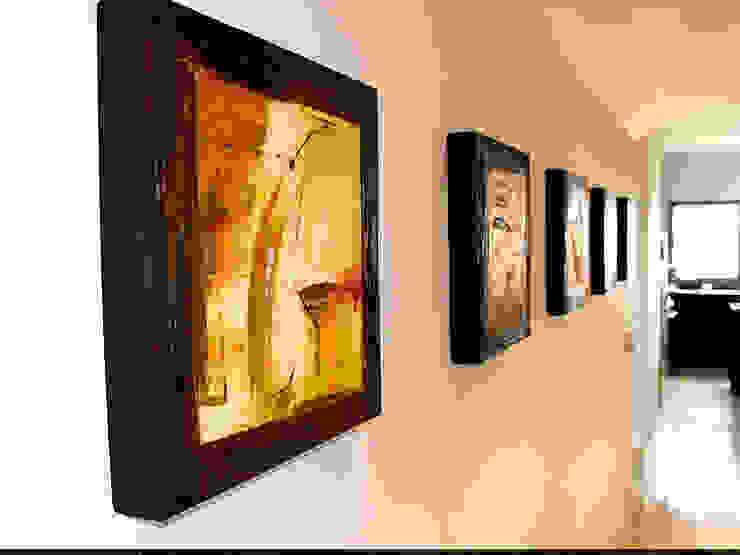 Galeria Ivan Guaderrama Koridor & Tangga Minimalis