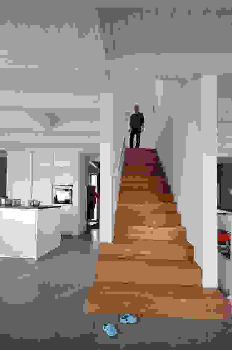 Pakula & Fischer Architekten GmnH Couloir, entrée, escaliers originaux