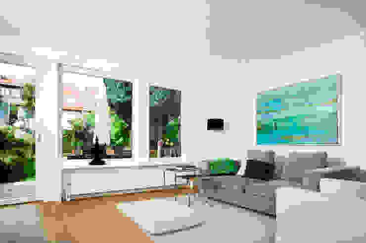 Ruang Keluarga Modern Oleh Bettina Wittenberg Innenarchitektur -stylingroom- Modern