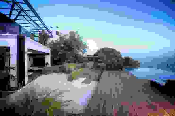 sanzpont Modern Terrace