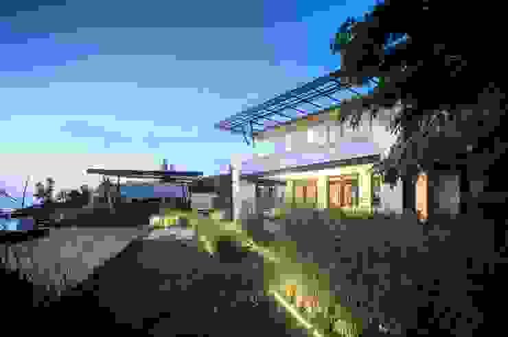 sanzpont Modern Garden