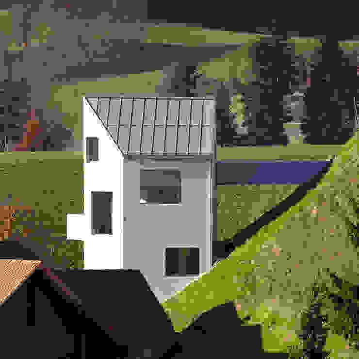 Haus Sumiswald Minimalistische Häuser von Translocal Architecture Minimalistisch