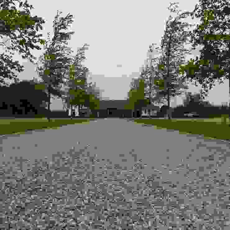 Garden by Hendriks Hoveniers , Modern
