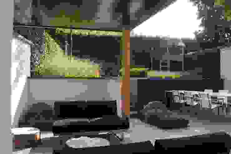 Geborgen Stadstuin Moderne tuinen van Hendriks Hoveniers Modern