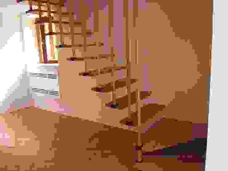 Podere in Pontinia (Latina) Ingresso, Corridoio & Scale in stile moderno di Studio Racheli Architetti Moderno