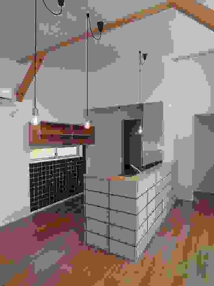 八幡の家Ⅱ オリジナルデザインの キッチン の 萩野建築設計 オリジナル